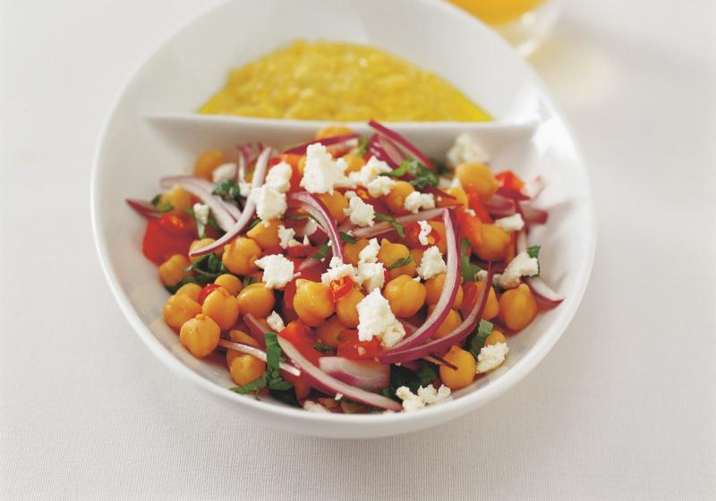 Středomořský cizrnový salát