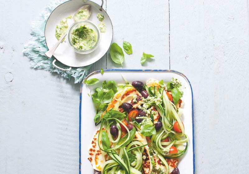 Středomořský okurkový salát