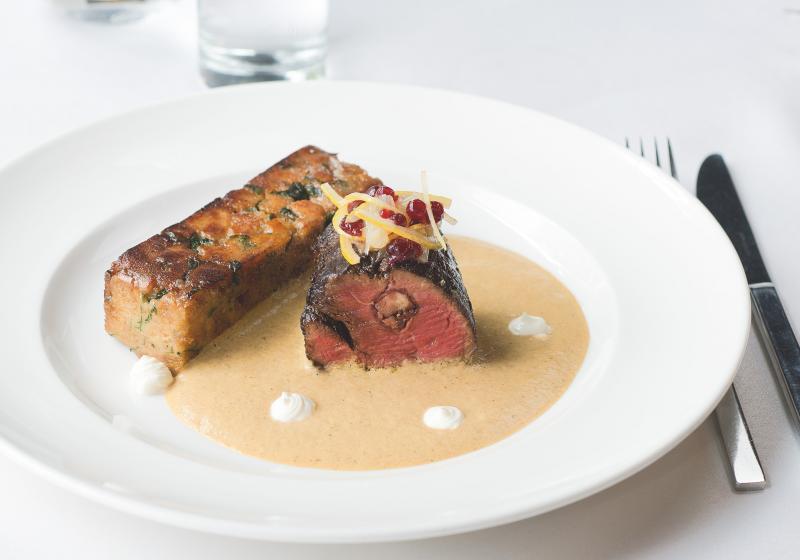 Svíčková espuma & pečený karlovarský knedlík podle šéfkuchaře