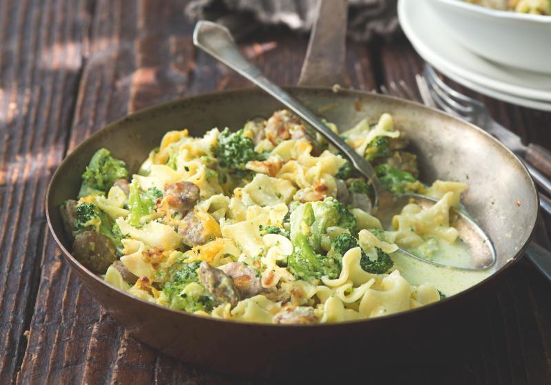 Těstoviny s brokolicí a klobáskou