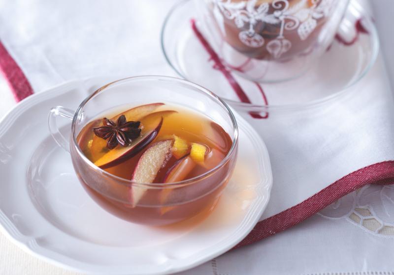 Jablečný punč s kořeněným rumem