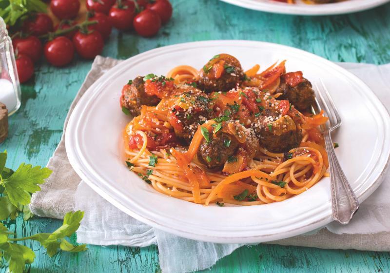 Špagety s rajčatovou omáčkou & masovými koulemi